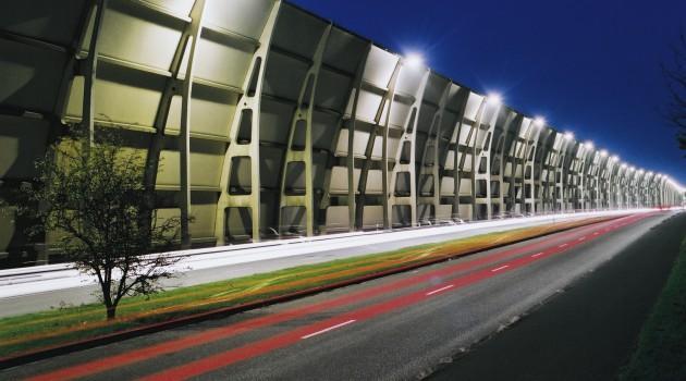 Солнечные батареи в шумозащитных стенах