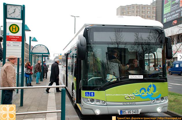 Электроавтобус на остановке в Брауншвайге