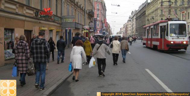 Узкий тротуар в России в 2014