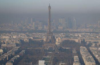 Ограничение движения автомобилей в Париже из-за загрязнения воздуха