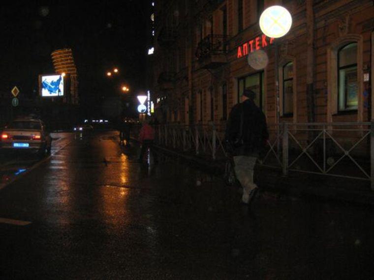 Движение пешеходов по проезжей части с целью сокращения маршрута
